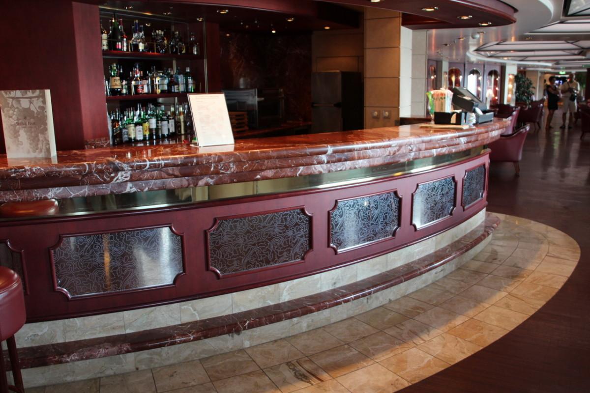 banco bar in marmo